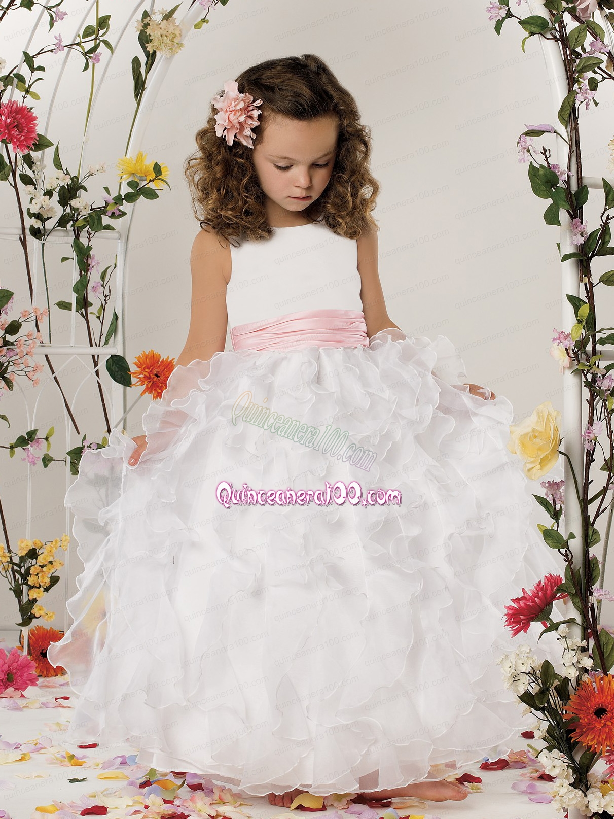 2014 Beautiful Ball Gown Scoop Flower Girl Dress with Ruffles