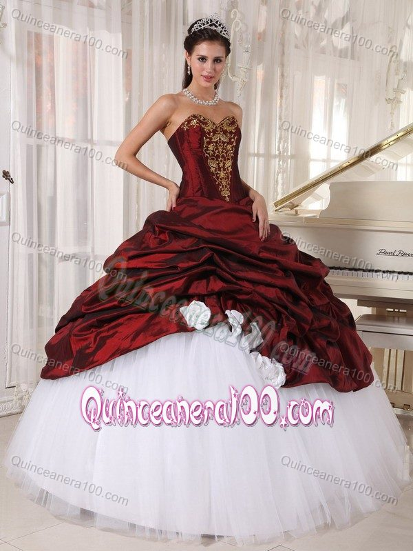 Burgundy Ball Gown Sweetheart Appliques Sweet 16 Dresses