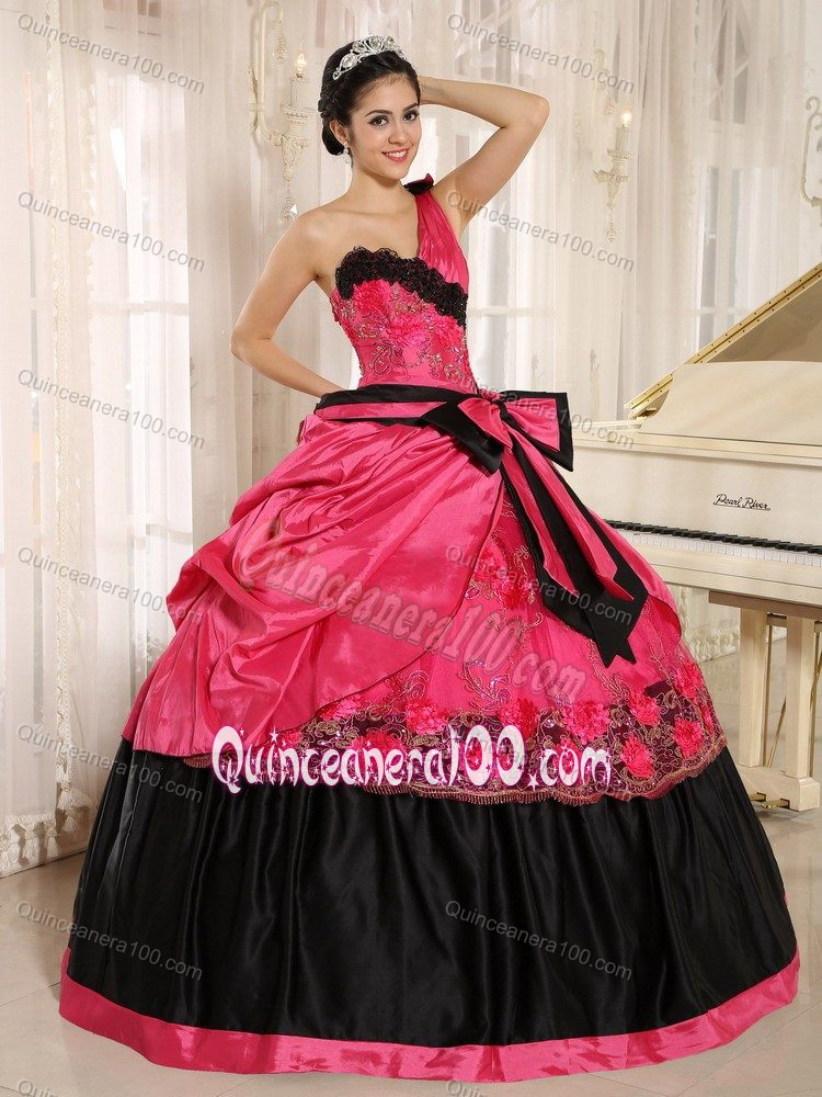 coral red and black one shoulder appliqued quinces dresses