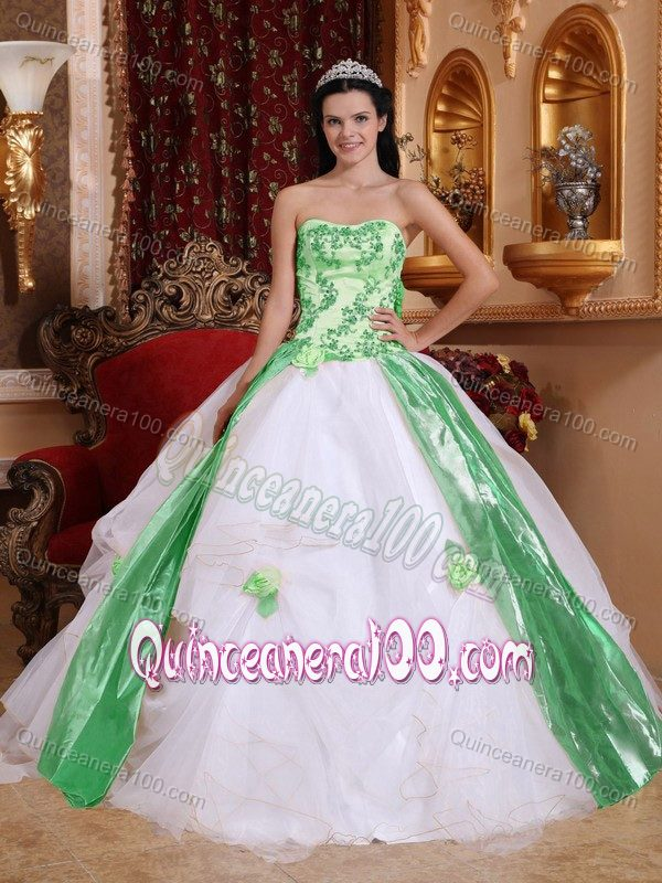 85e72b8b92c White and Green Quinceanera Party Dress with Appliques in Fashion ...