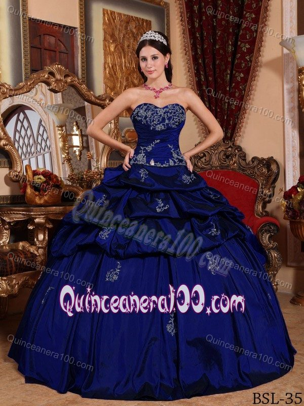 ebbbae7b907 Full Skirt Royal Blue Quinceanera Dress with Embroidery Appliques ...
