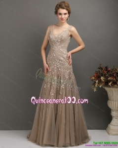2015 New Style Empire Dama Dress with Brush Train and Appliques