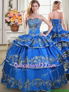 2017 Fashionable Taffeta Blue Quinceanera Dress with Embroidery and Ruffled Layers