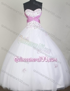 Elegant Ball Gown Sweetheart White Appliques Quinceanera Dress