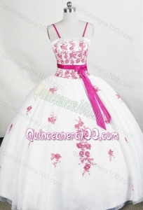Beautiful White Spaghetti Straps Organza Appliques Quinceanera Dress With Sashes