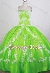 Luxurious Ball Gown Spring Green Appliques with Beading Quinceanera Dresses