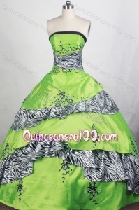 Elegant Appliques and Beading Ball Gown Strapless Green Quinceanera Dresses