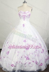 Pretty White Sweetheart Beading and Embroidery Quinceanera Dresses
