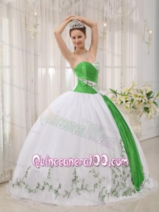 White Ball Gown Sweetheart Floor-length Organza Embroidery 16 Party Dress