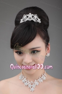 Elegant Alloy and Rhinestone Tiara and Necklace