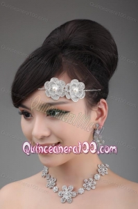Round Shape Pearl and Alloy and Rhinestone Tiara and Necklace