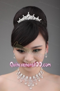 Shimmering Multi Layers Pearl Alloy Tiara and Necklace