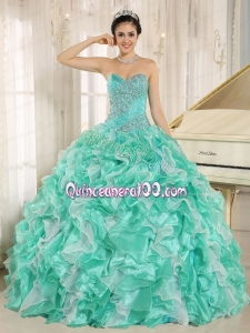 2014 Beautiful Beading Sweetheart Apple Green Quinceanera Dresses with Ruffles
