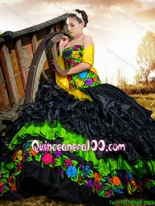 Western Style Exclusive Strapless Embroideried Black Quinceanera Gown in Organza and Taffeta