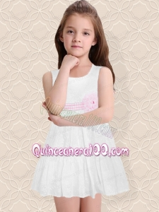 Beautiful A-Line White Scoop Flower Girl Dresses with Zipper-up