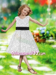 2014 A-Line V-neck Knee-length Flower Girl Dress with Belt