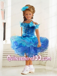 Beautiful Ball Gown Blue Knee-length Little Girl Dress with Bowknot
