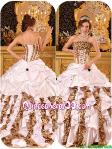 Beautiful Strapless White Quinceanera Gowns with Brush Train
