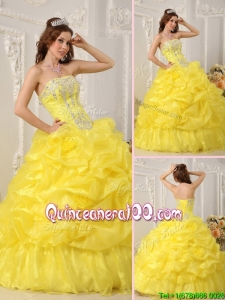 Classical Yellow Quinceanera Dresses with Beading and Ruffles
