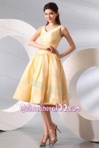A-line Light Yellow V-neck Knee-length Ruching Dresses for Dama