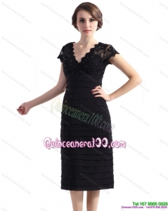 2015 Cap Sleeves Black Dama Dress with Beading and Ruching