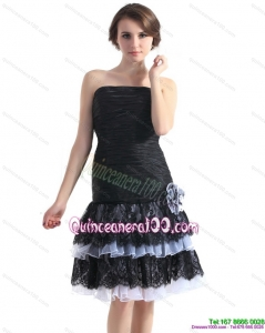 Cheap Black Short Dama Dresses with Ruffled Layers and Hand Made Flower