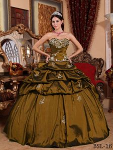 Olive Ball Gown Quinces Dress with Sweetheart and Appliques
