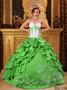 Spring Green and White Quinceanera Gown with Embroidery