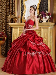 Popular Ruched with Delicate Appliques 2013 Wine Red Quince Gown