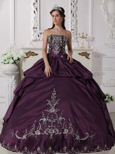 Purple Embroidery Taffeta Strapless Quinceanera Gown Dress