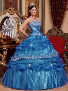 Organza Blue Quinceanera Dress with Appliques and Pick-ups