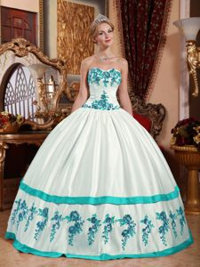 Appliques White Taffeta Quinceanera Dress with Sweetheart