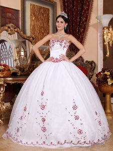 Organza Strapless Embroidery Quinceanera Gowns in White