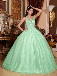 Apple Green V-neck Halter Top Beading Sweet Sixteen Dresses
