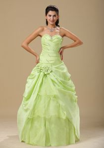 Yellow Green Ruching Sweetheart Quinceanera Dresses Gowns