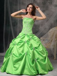 Spring Green Beading Strapless Sweet 16 Dresses with Appliques