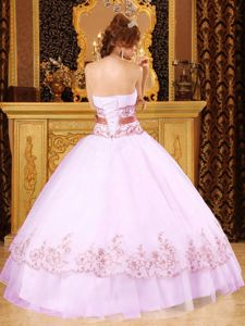White Strapless Floor-length Quinceanera Dress with Appliques