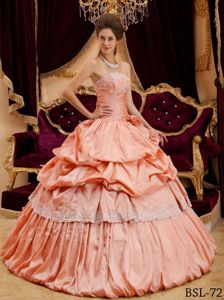 Appliques and Hand Made Flower Quinceanera Dresses Gowns in Peach