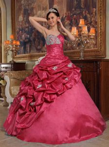 Beading Sweetheart Taffeta Quinceanera Dress with Pick-ups in Red