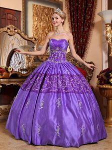Beading Sweetheart Embroidery Taffeta Quinceanera Dress in Purple