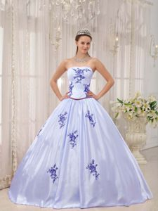 Appliques Strapless Taffeta Quinceanera Gown Dresses
