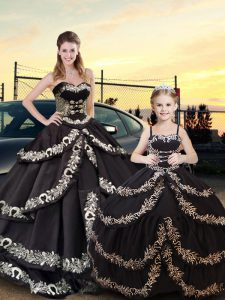 Black Taffeta Lace Up Quince Ball Gowns Sleeveless Floor Length Embroidery and Ruffled Layers