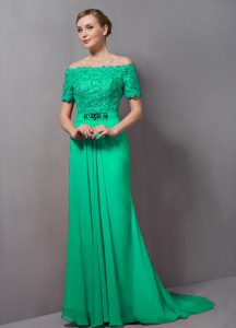 Low Price Lace Mother of Bride Dresses Green Zipper Short Sleeves Sweep Train