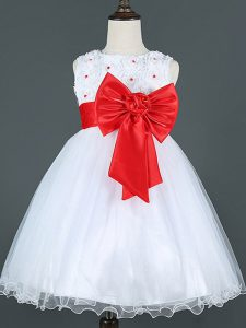 Customized Sleeveless Tulle Knee Length Zipper Kids Pageant Dress in White with Bowknot