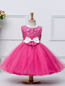 Stylish Tulle Scoop Sleeveless Zipper Lace and Bowknot Toddler Flower Girl Dress in Hot Pink