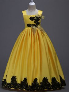 High Class Yellow A-line Appliques and Bowknot Toddler Flower Girl Dress Zipper Taffeta Sleeveless Floor Length