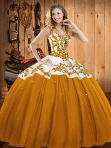 Luxury Sleeveless Floor Length Embroidery Lace Up Quinceanera Dresses with Gold