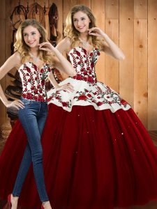 Designer Satin and Tulle Sweetheart Sleeveless Lace Up Embroidery Quinceanera Dresses in Wine Red