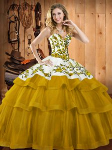 Captivating Sweetheart Sleeveless Vestidos de Quinceanera Sweep Train Embroidery Gold Organza