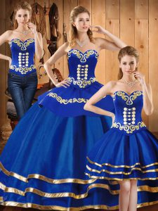 Excellent Sleeveless Lace Up Floor Length Embroidery Quince Ball Gowns